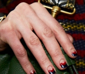 To Chevron Nail Art Look από τη Rebecca Minkoff