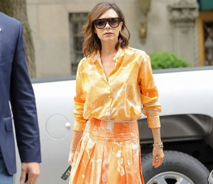 Statement Neon Look από τη Victoria Beckham