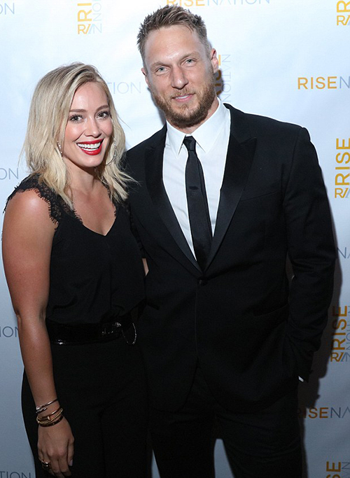 It's believed that Hilary is keen to not confuse Luca, four - whom she shares with ex Mike - until she she's certain she's found love again. Hilary married retired 35-year-old professional ice hockey player Mike in 2010, however, they split in January 2014. And despite initial rumours the couple were keen to rekindle the romance, Hilary signalled the end of their romance in February 2015 when she officially filed for divorce. Read more: http://www.dailymail.co.uk/tvshowbiz/article-3652038/Hilary-Duff-casually-dating-personal-trainer-Jason-Walsh-grew-close-workouts-fine-dining.html#ixzz4CFBvjmsF Follow us: @MailOnline on Twitter | DailyMail on Facebook