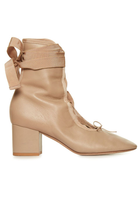 elle-fall-shoes-ballet-1065625_1