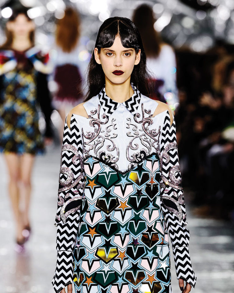 fall-fashion-2016-prints-trend-mary-katrantzou-02-768x960-c-top