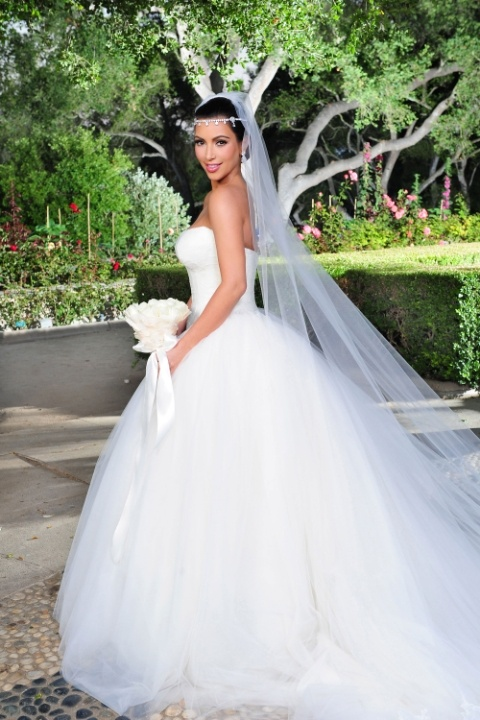 ghk-most-expensive-wedding-dresses-kim-kardashian-kris-startraks