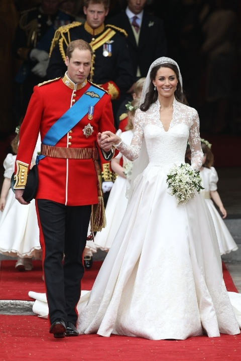 kate-middleton-wedding-dress-2