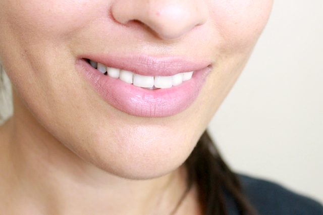 whiten-teeth-with-ac-4