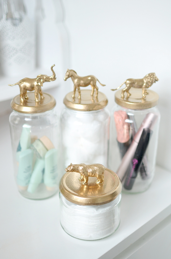 SPRAY-JAR-GOLD-ANIMALS-DIY