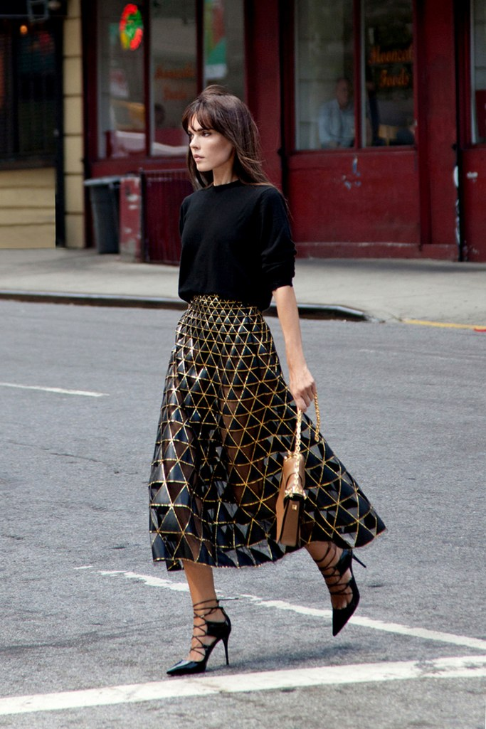 slideshow-winter-date-outfits-05-winter-date-night-outfit-ideas-style-heroine-main