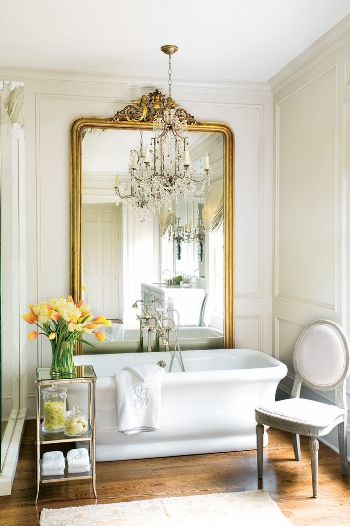 15-ways-to-decorate-with-gold-mirrors-bathroom_2