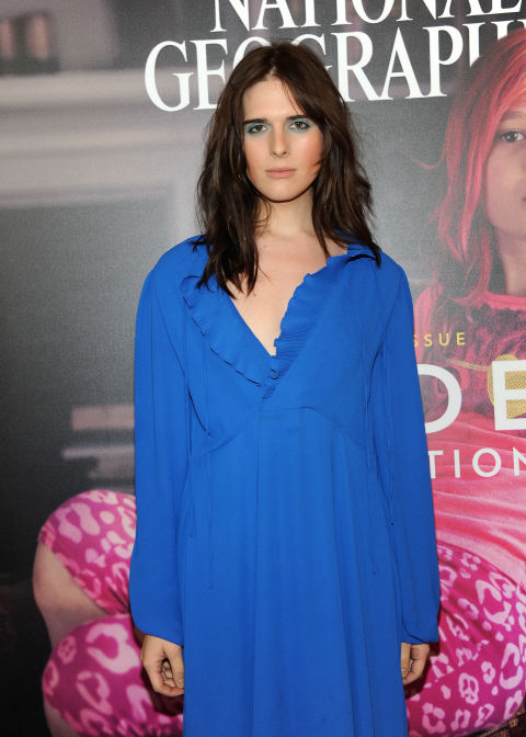 gallery-1486460121-hari-nef-blue
