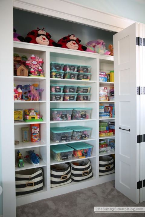 gallery-1487276328-toy-closet-storage