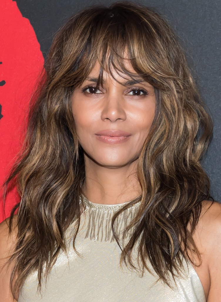 halle-berry-spring-haircut