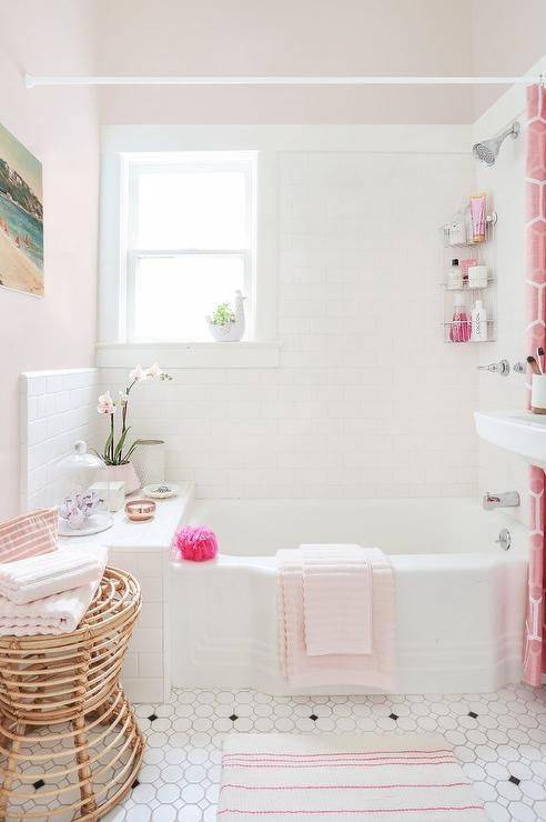20-reasons-to-be-entirely-obsessed-with-pink-bathrooms-pink-bathroom-ideas-pink-and-white-bathroom-5798ddfb81c866970ee81fd5-w620_h800