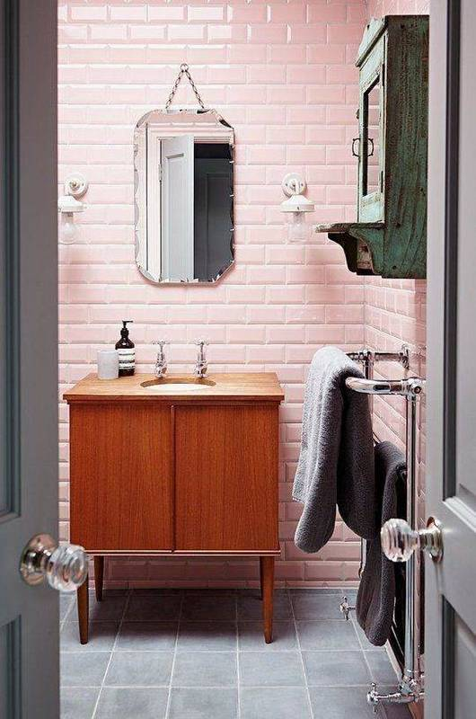 20-reasons-to-be-entirely-obsessed-with-pink-bathrooms-pink-bathroom-ideas-pink-brick-wall-in-bathroom-5798de5781c866970ee81fdc-w620_h800