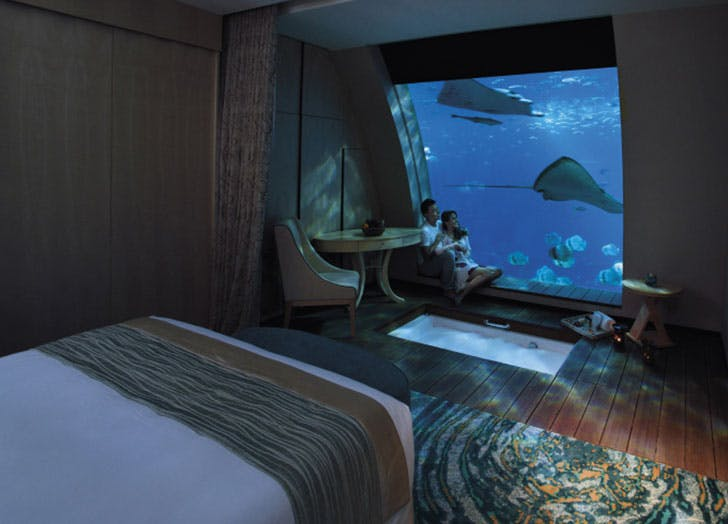 Ocean-Suites_Bedroom_Sentosa-Singapore