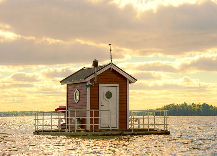 Utter-Inn-Underwater-hotel-in-Sweden