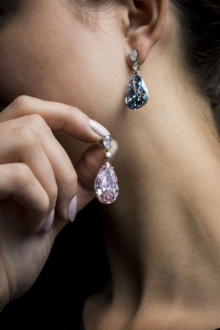 hbz-sothebys-earrings-embed-1495059148