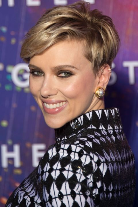 hbz-the-list-blonde-pixie-cuts-scarjo-1493756054