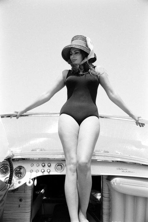 1497513315-hbz-iconic-bathing-suits-sophia-loren-gettyimages-480017107-1497474562