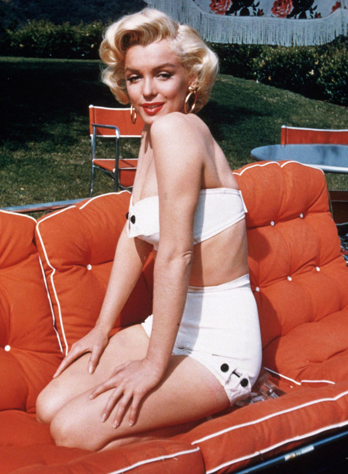 Marilyn Monroe in Bikini and Swimsuit (28)