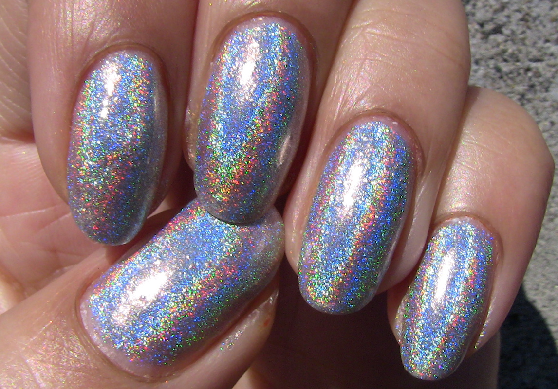Holographic Nail Art Look