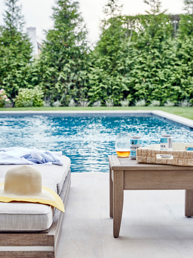this-hamptons-home-is-a-playground-for-adults-and-kids-alike-hamptons-beach-house-chango-co-59515ca3d07fd1124b266bed-w1000_h1000