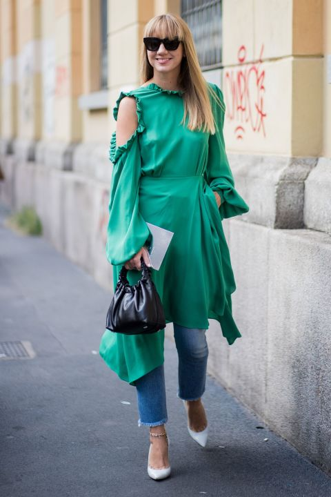 1508403966-dress-over-jeans-5-1508336087