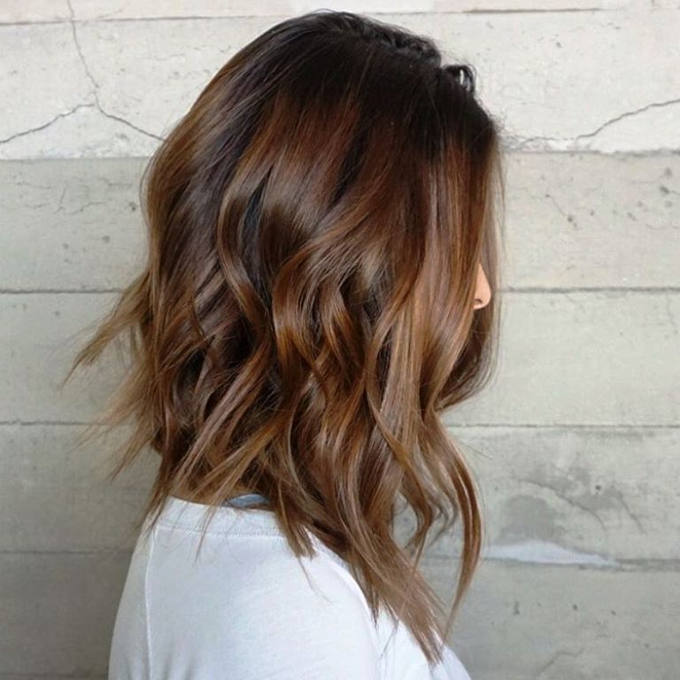 32.-Medium-Layered-Hairstyle