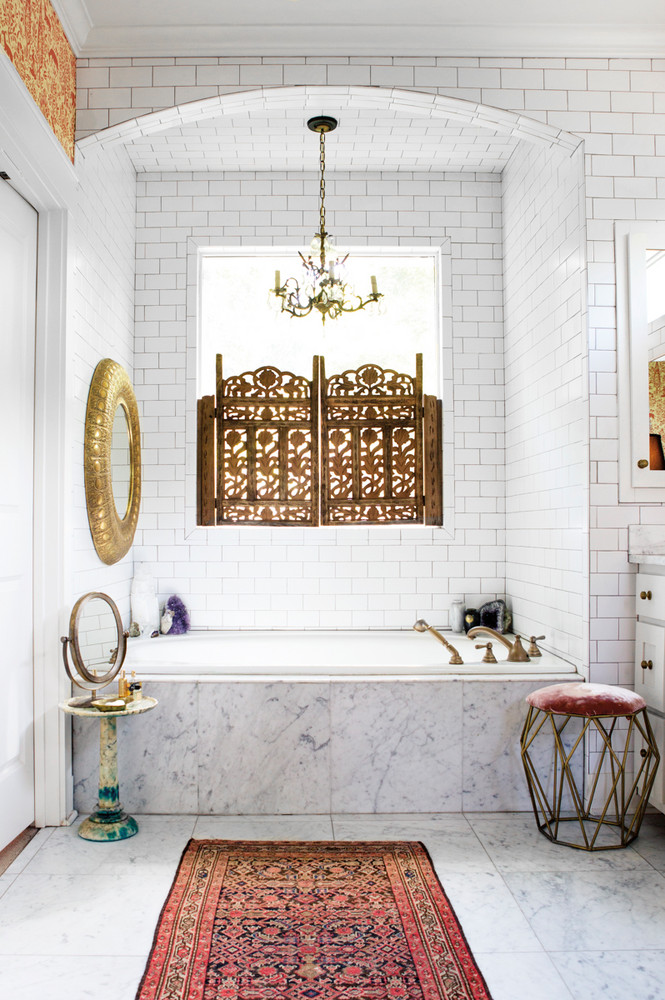 a-nashville-home-where-bold-prints-mix-with-soft-pastels-bronze-and-white-bathroom-59e8eff61c2f5d146a42fb8e-w1000_h1000