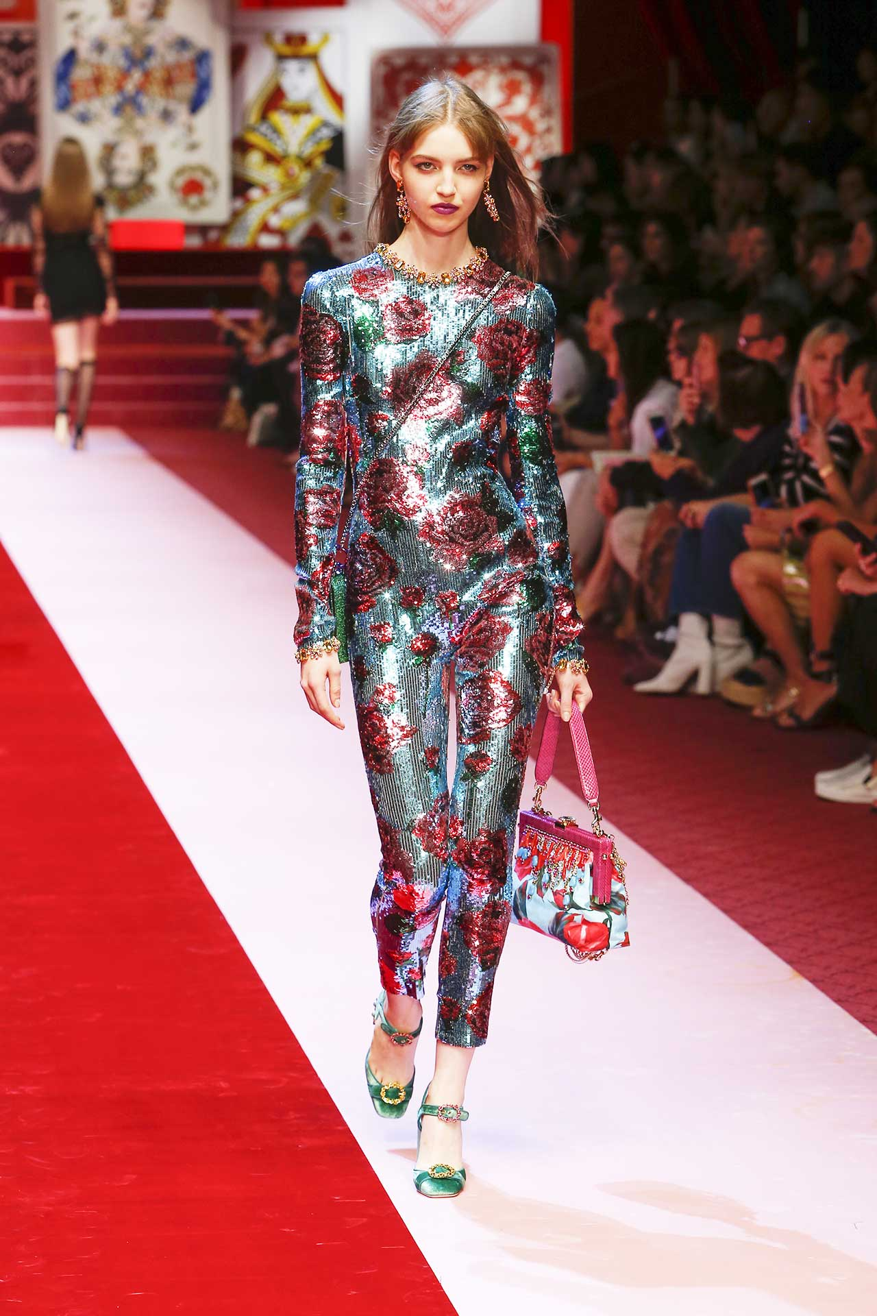 milan-fashion-week-trends-spring-2018-serious-sequins-dolce-and-gabbana-look-79