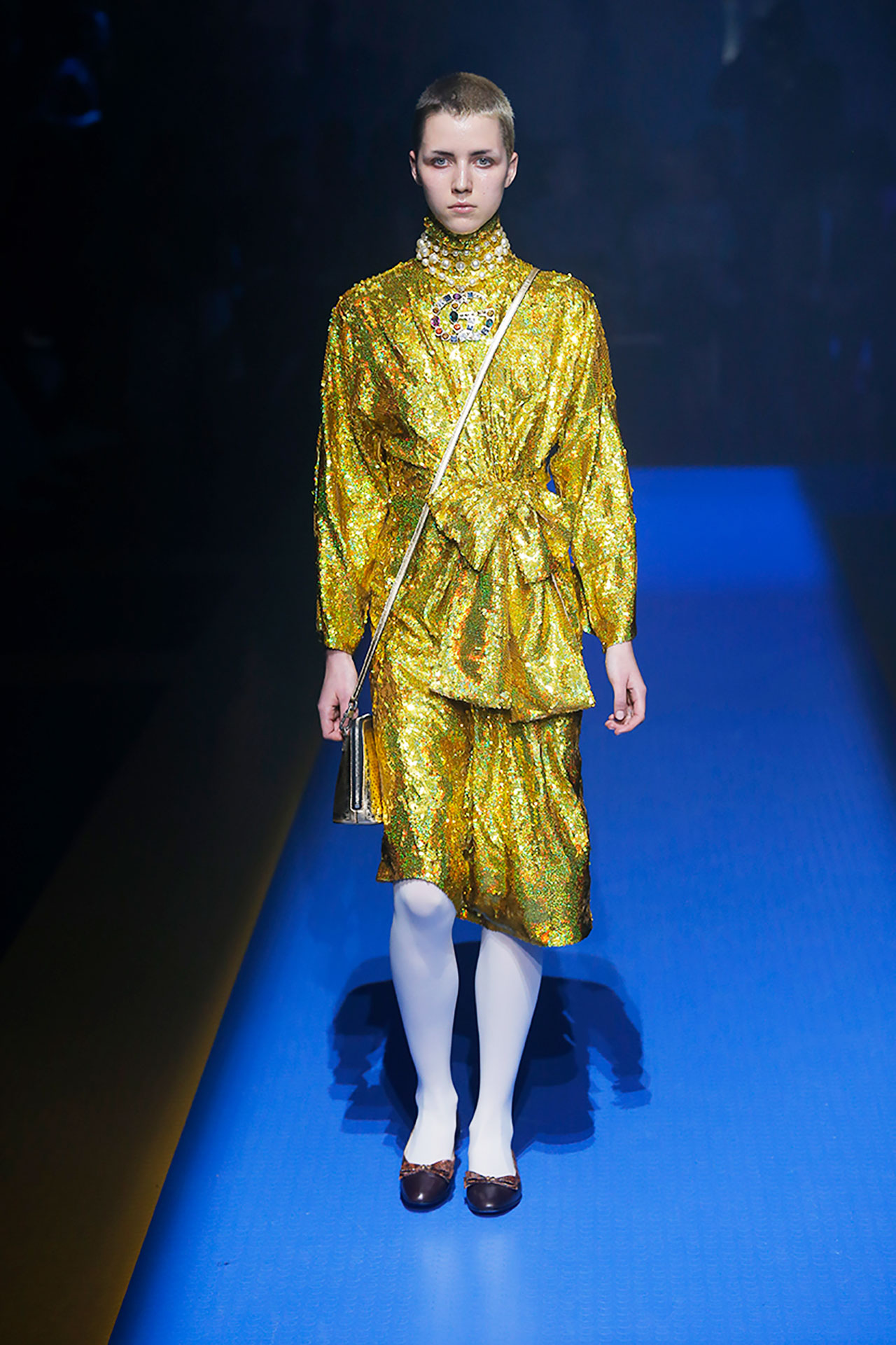 milan-fashion-week-trends-spring-2018-serious-sequins-gucci-10