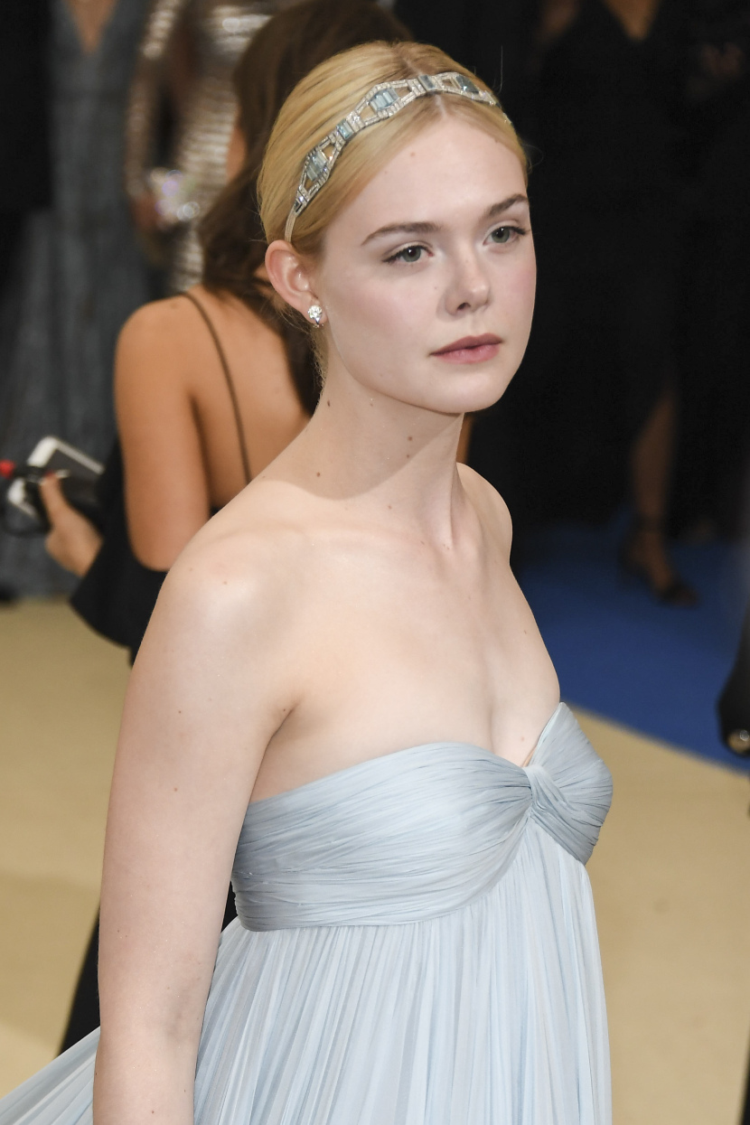 "NEW YORK, NY - MAY 01:  Elle Fanning attends ""Rei Kawakubo/Comme des Garcons: Art Of The In-Between"" Costume Institute Gala - Arrivals at Metropolitan Museum of Art on May 1, 2017 in New York City.  (Photo by Venturelli/WireImage)"