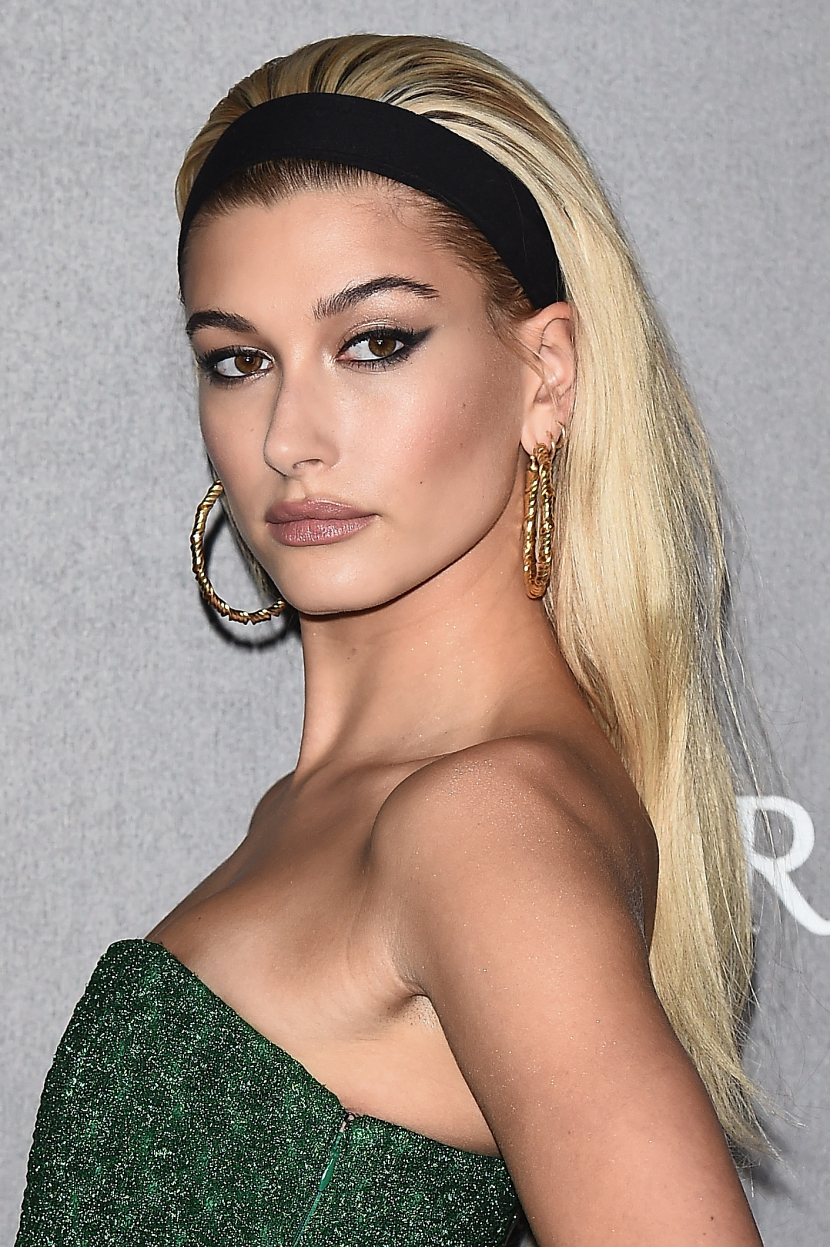 MILAN, ITALY - SEPTEMBER 21:  Hailey Baldwin walks the red carpet of amfAR Gala Milano on September 21, 2017 in Milan, Italy.  (Photo by Stefania D'Alessandro/Getty Images for amfAR)